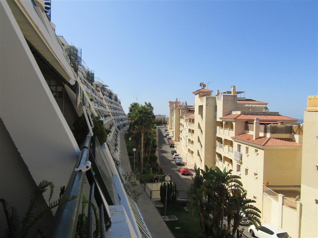 R3251092: Apartment for sale in Torrequebrada