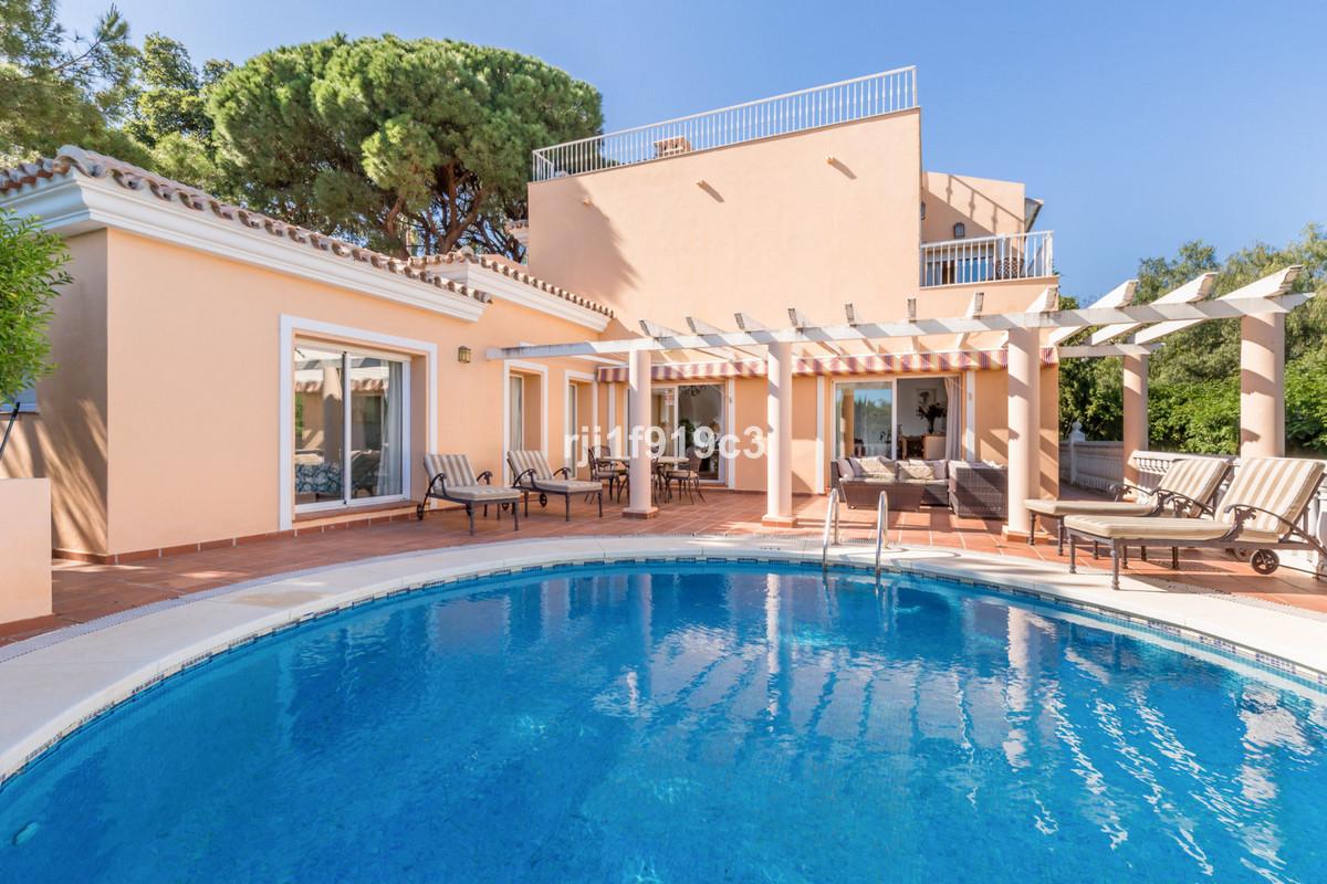 Villa Till salu i Elviria R3413251