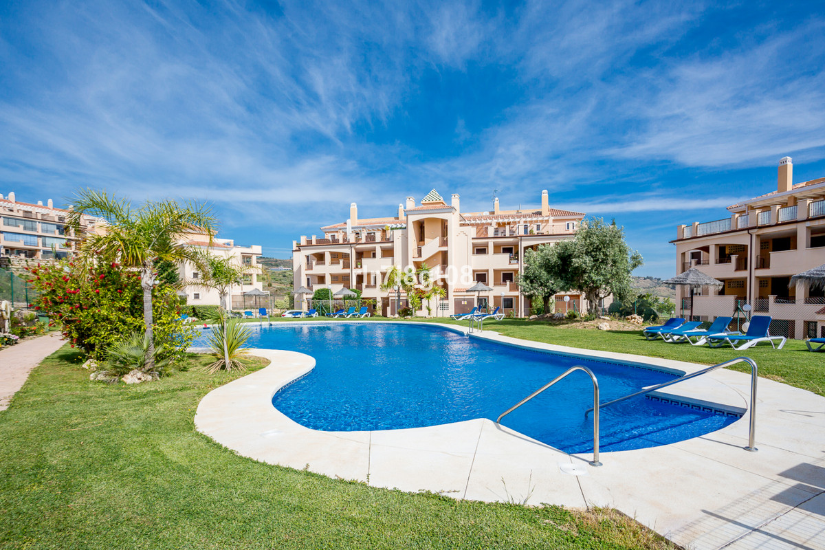Located in the desirable frontline golf area of Calanova Golf, this urbanisation is completely gated,Spain