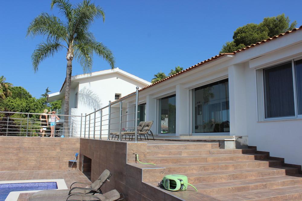 Detached Villa in El Paraiso