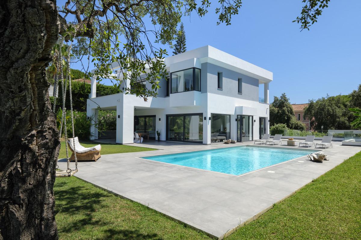 Detached Villa for sale in Hacienda Las Chapas R3838069
