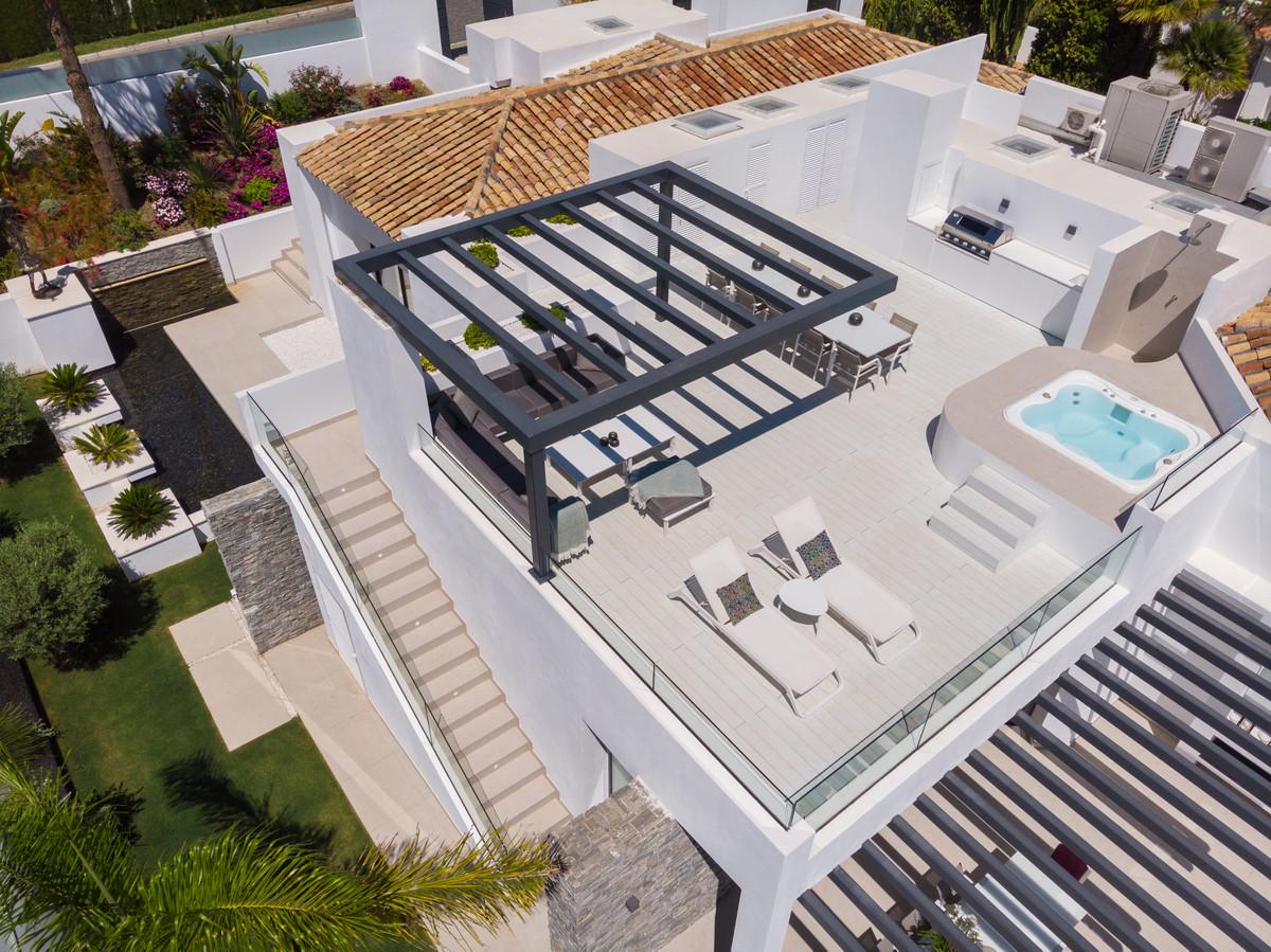 House in Aloha R3702695 11