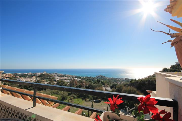 REDUCED!!! 2 bed apartment located within easy walking distance to Benalmadena Pueblo and all local ,Spain
