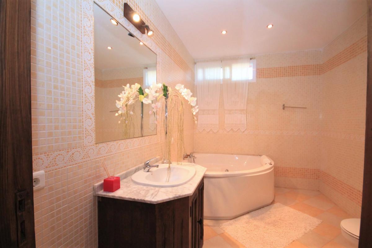Villa con 5 Dormitorios en Venta Monda