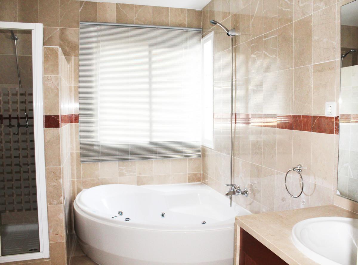 Apartment Penthouse Alhaurín de la Torre Málaga Costa del Sol R3713513 10