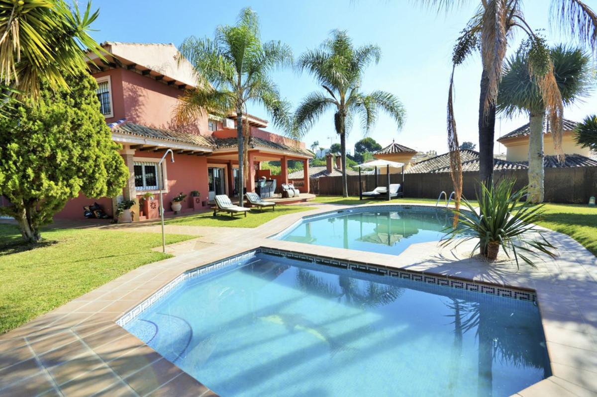 Vrijstaande Villa te koop in Marbella R3877813
