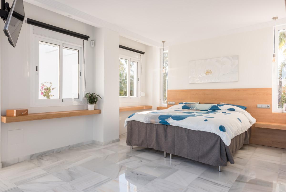 Villa Detached Nueva Andalucía Málaga Costa del Sol R3752245 10