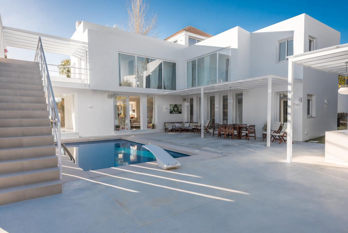Villa Detached Nueva Andalucía Málaga Costa del Sol R3752245 2