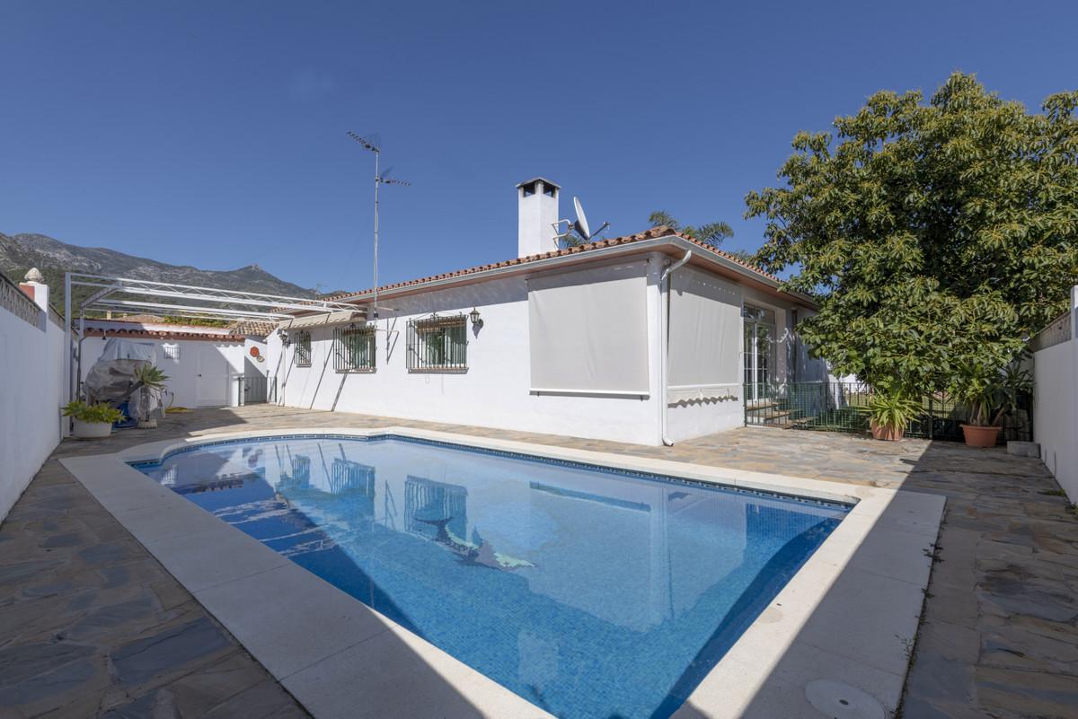Villa, Independiente  en venta   en Marbella