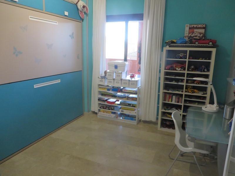 3 Bedroom Middle Floor Apartment For Sale Elviria