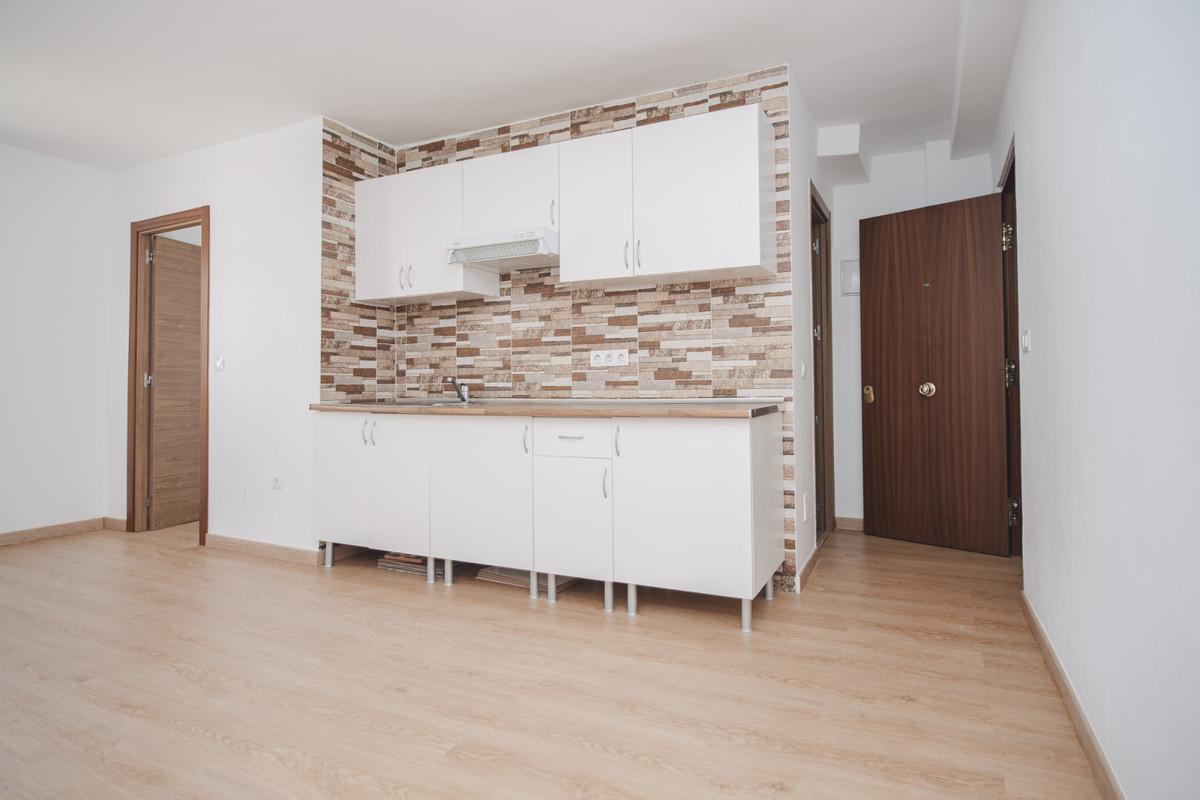 1 Bedroom Middle Floor Apartment For Sale Marbella, Costa del Sol - HP3886021