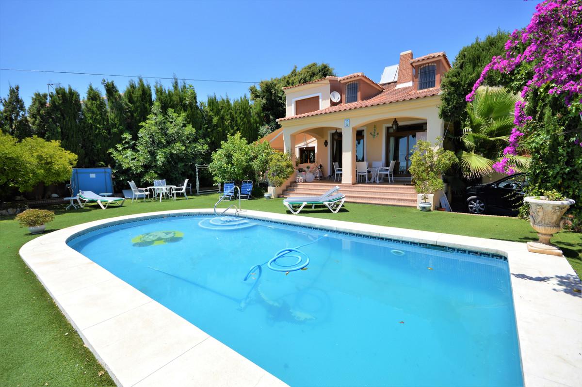Vrijstaande Villa te koop in Marbella R3893725
