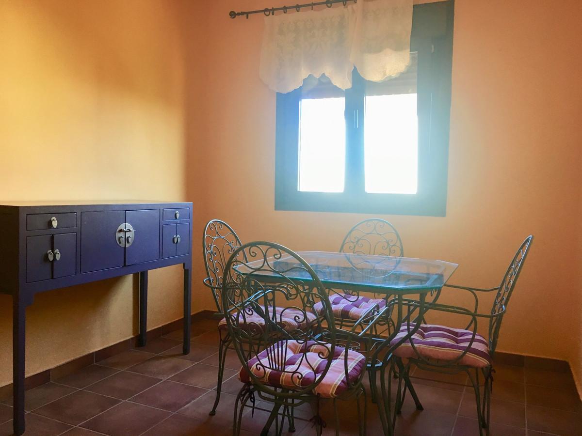 Villa con 4 Dormitorios en Venta La Duquesa
