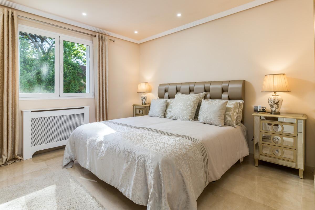 R3666872: Villa - Detached for sale in El Paraiso
