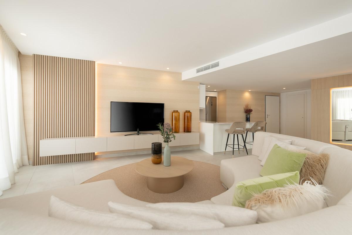 Apartamento con 1 Dormitorios en Venta Altos de los Monteros
