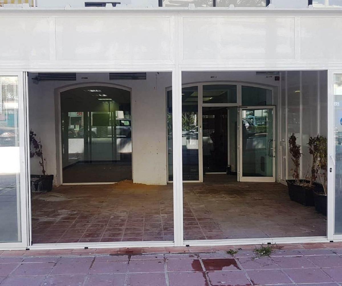 0 dormitorio comercial en venta puerto banus