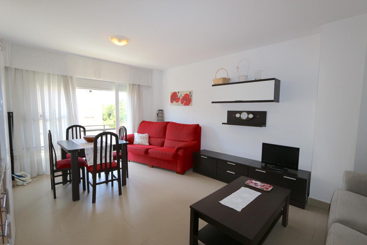 Apartment Middle Floor in Los Boliches, Costa del Sol