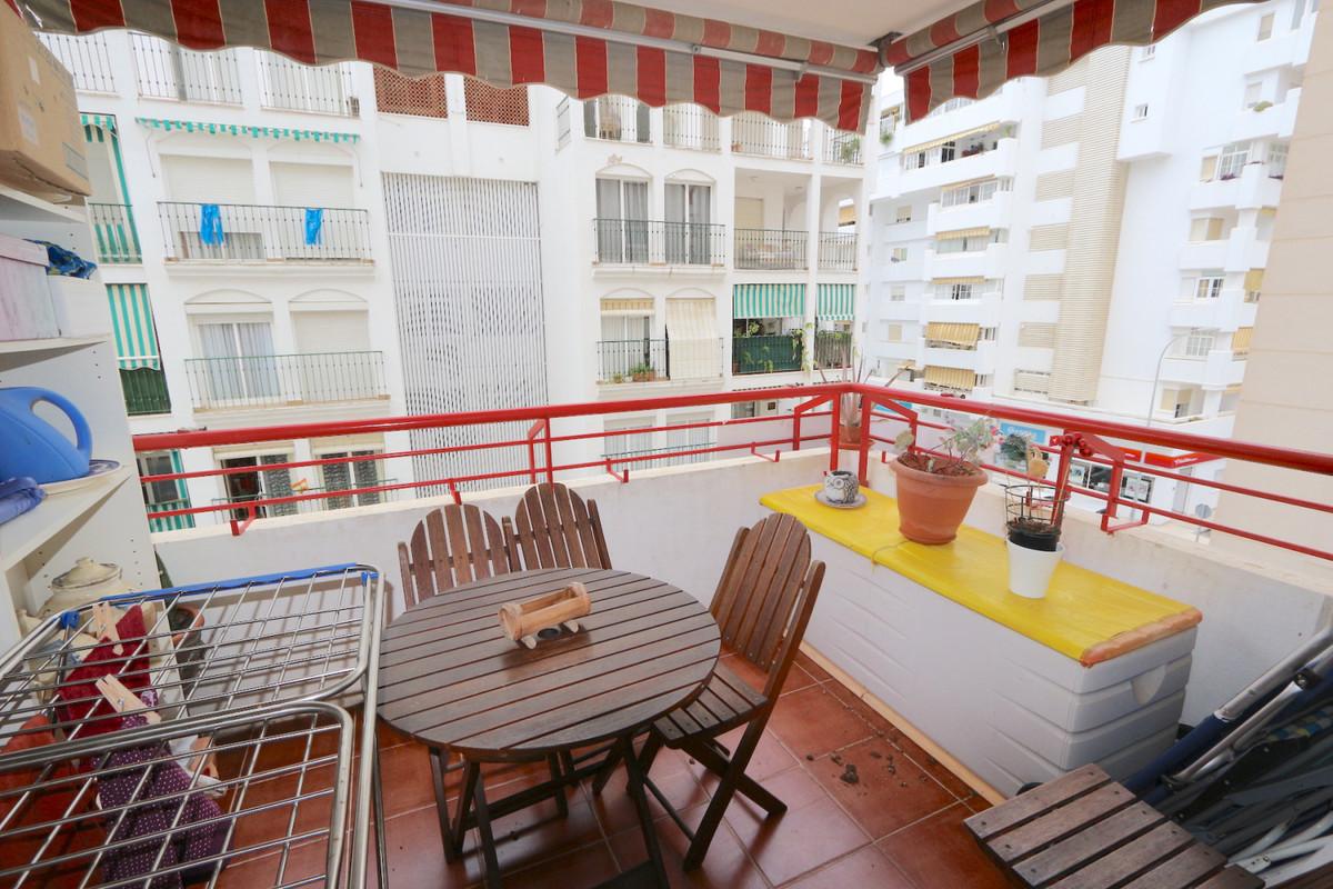 Apartment Middle Floor Fuengirola Málaga Costa del Sol R3715616 10