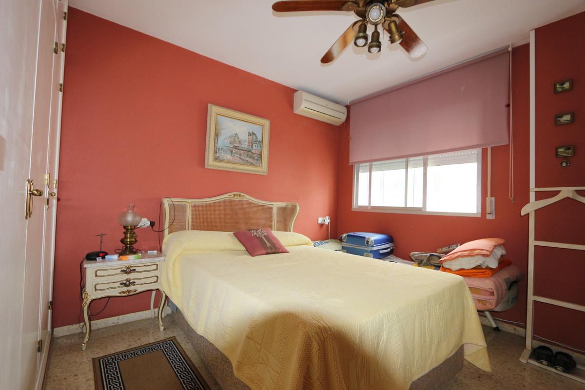 Apartment Middle Floor Fuengirola Málaga Costa del Sol R3715616 6