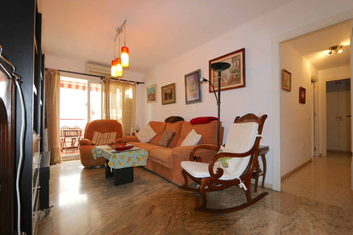 Apartment Middle Floor Fuengirola Málaga Costa del Sol R3715616 9