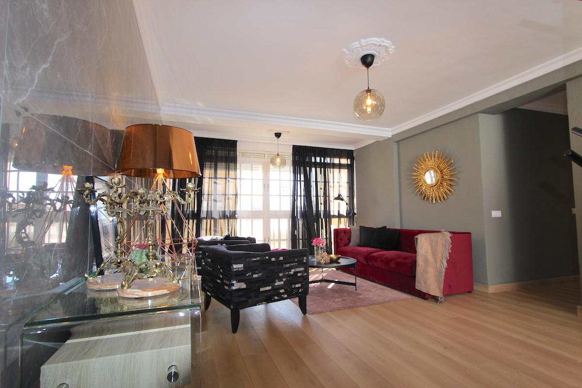 Middle Floor Apartment, Fuengirola, Costa del Sol. 3 Bedrooms, 1 Bathroom, Built 80 m².  Setting : T,Spain