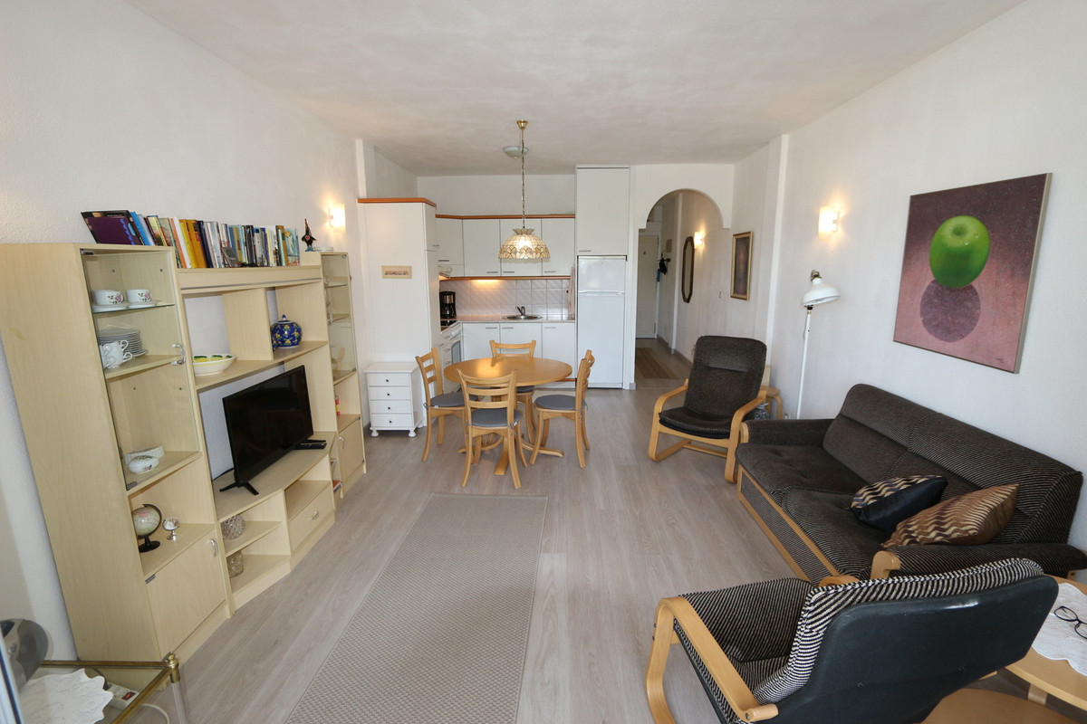UNIQUE OPPORTUNITY! In the well-known complex of Girasol, a 1 bedroom apartment on the first floor. ,Spain