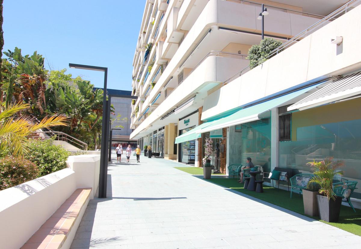 Modern renovated luxury shop in Marina Banus.,Spain
