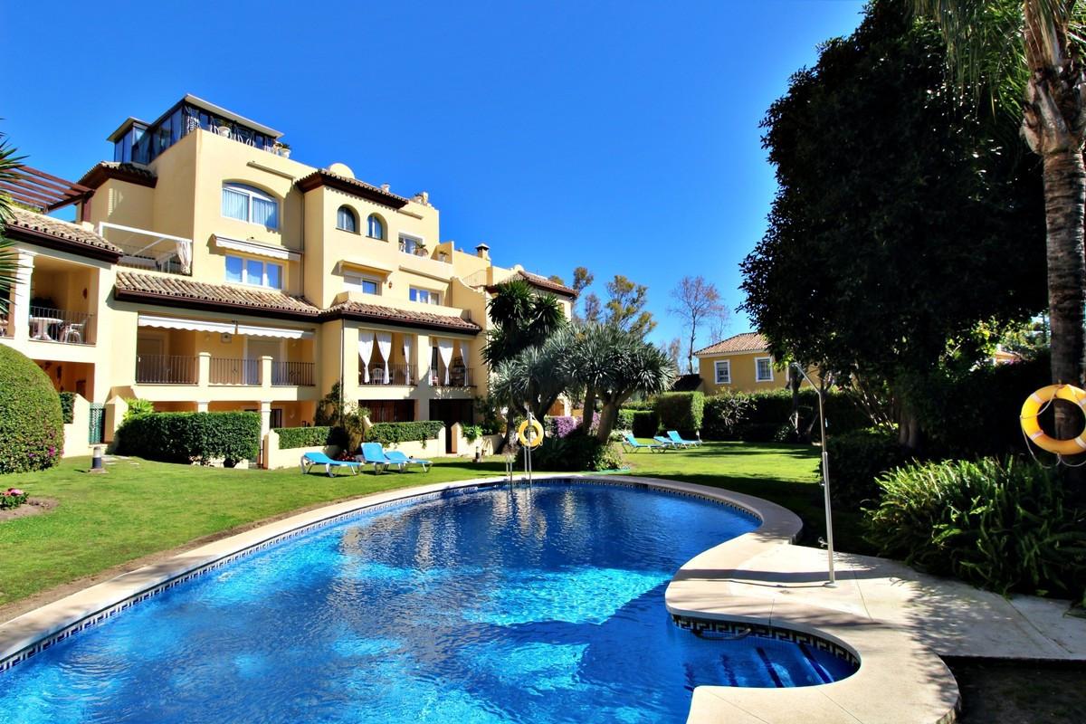 Ground Floor Apartment for sale in Guadalmina Alta R3619154