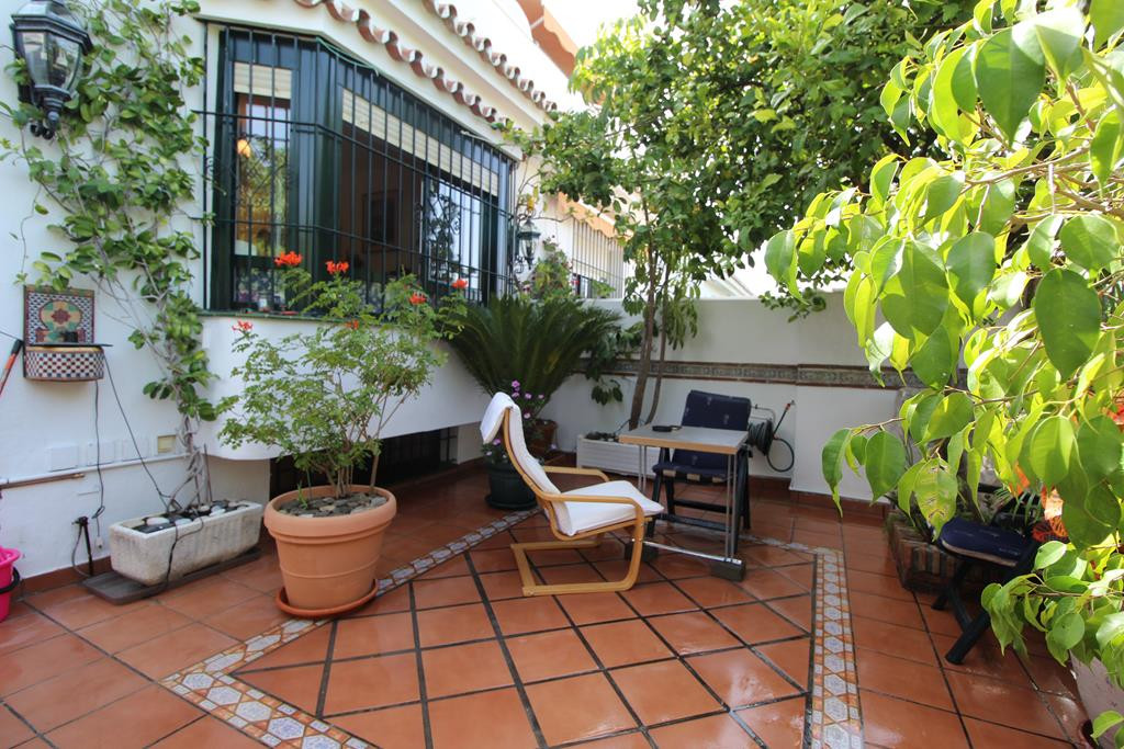BEAUTIFUL TOWNHOUSE IN SAN PEDRO PLAYA    This lovely Townhouse is located in the sought after area Spain