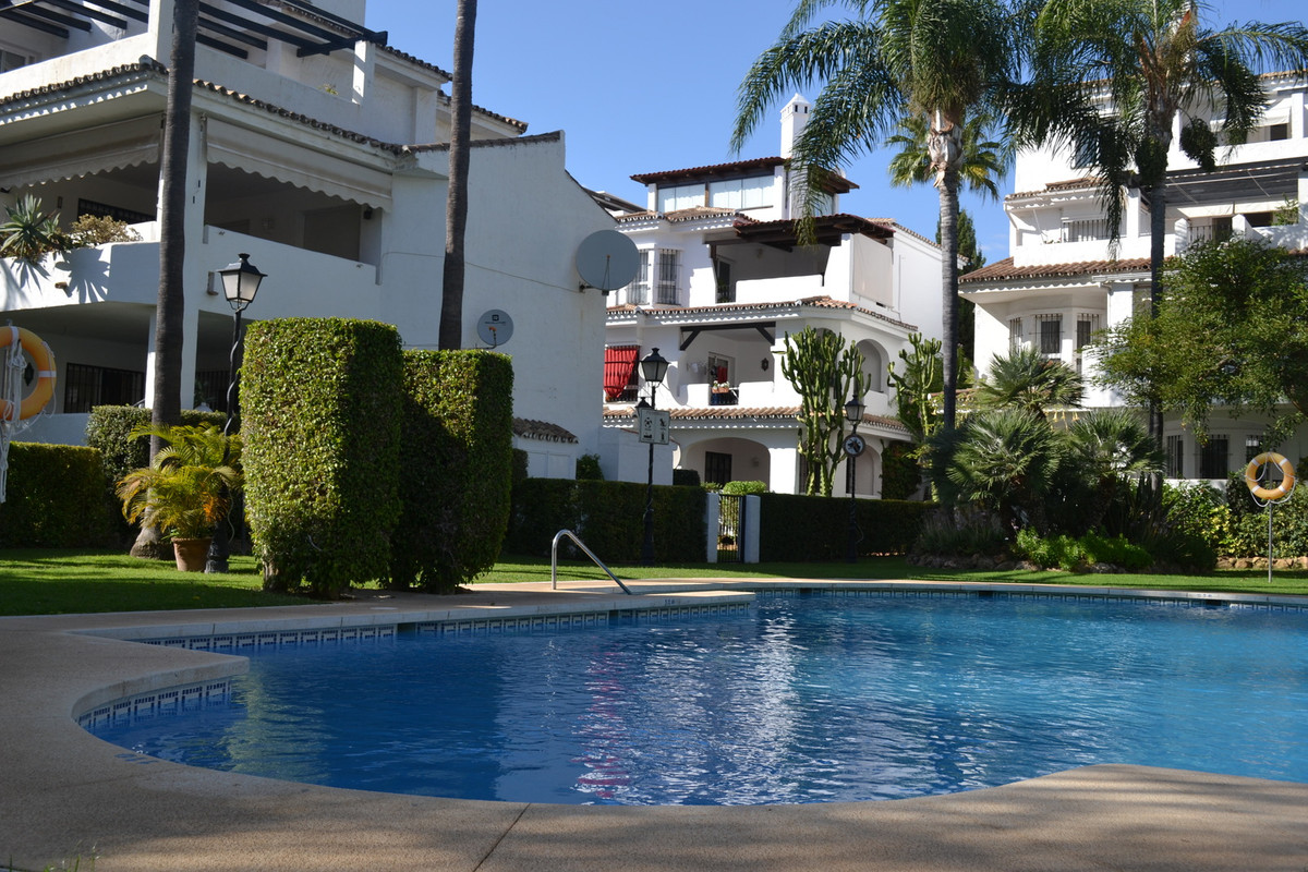 BEAUTIFUL APARTMENT IN NUEVA ANDALUCIA   This lovely Apartment is located in the sought after area N,Spain