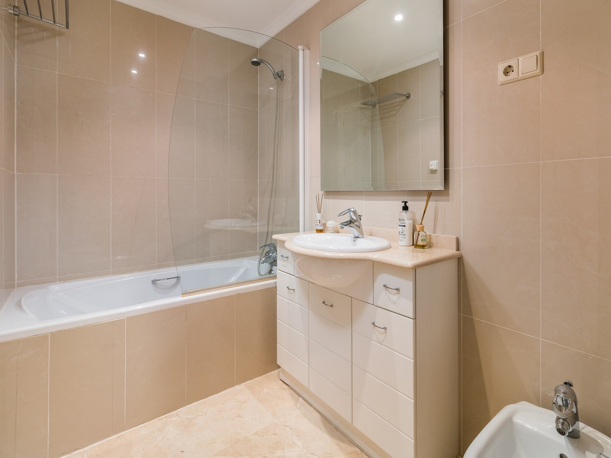 Apartment in La Cala Hills R3515062 17