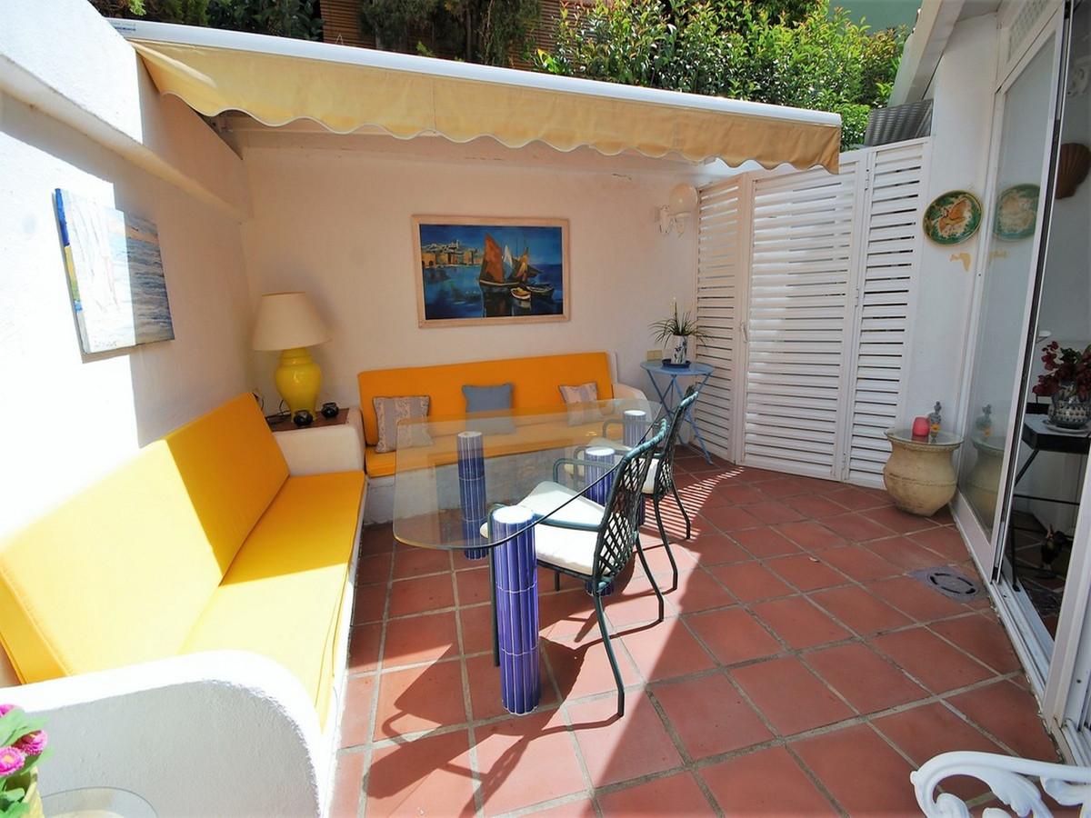 Rijhuis te koop in Guadalmina Baja R3520819