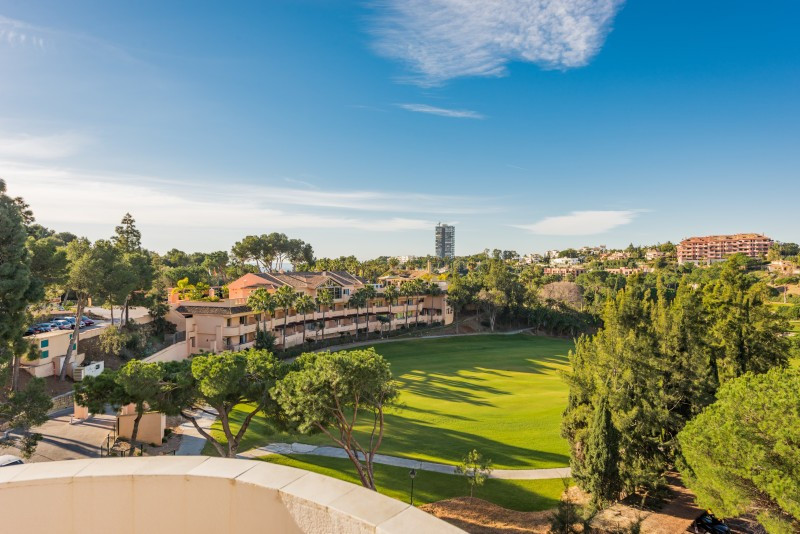 Apartment for sale in Rio Real Golf, Marbella East, with 3 bedrooms, 2 bathrooms and has a swimming Spain