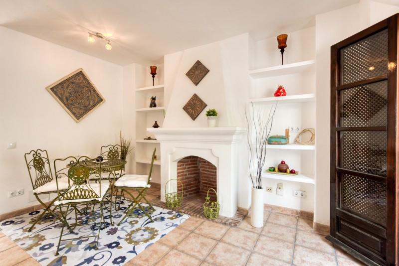 Town House for sale in Nueva Andalucia, with 2 bedrooms, 2 bathrooms, 2 en suite bathrooms, 1 toilet,Spain