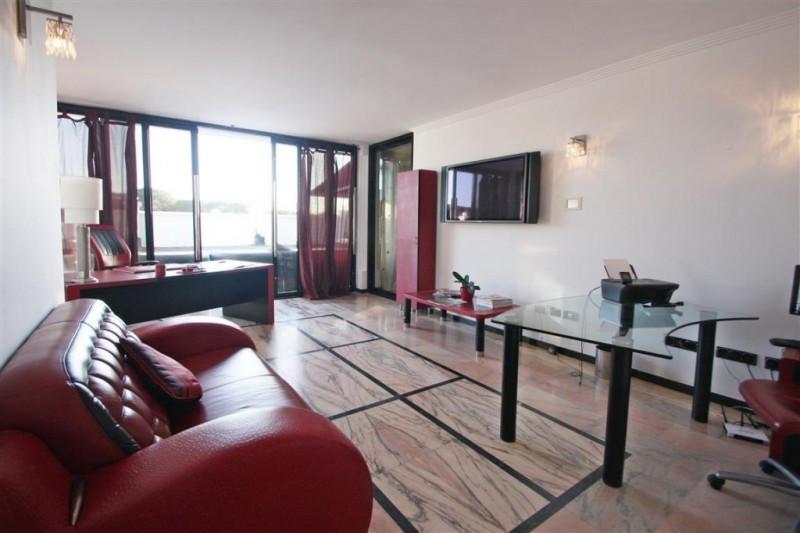 Villa con 8 Dormitorios en Venta Cabopino