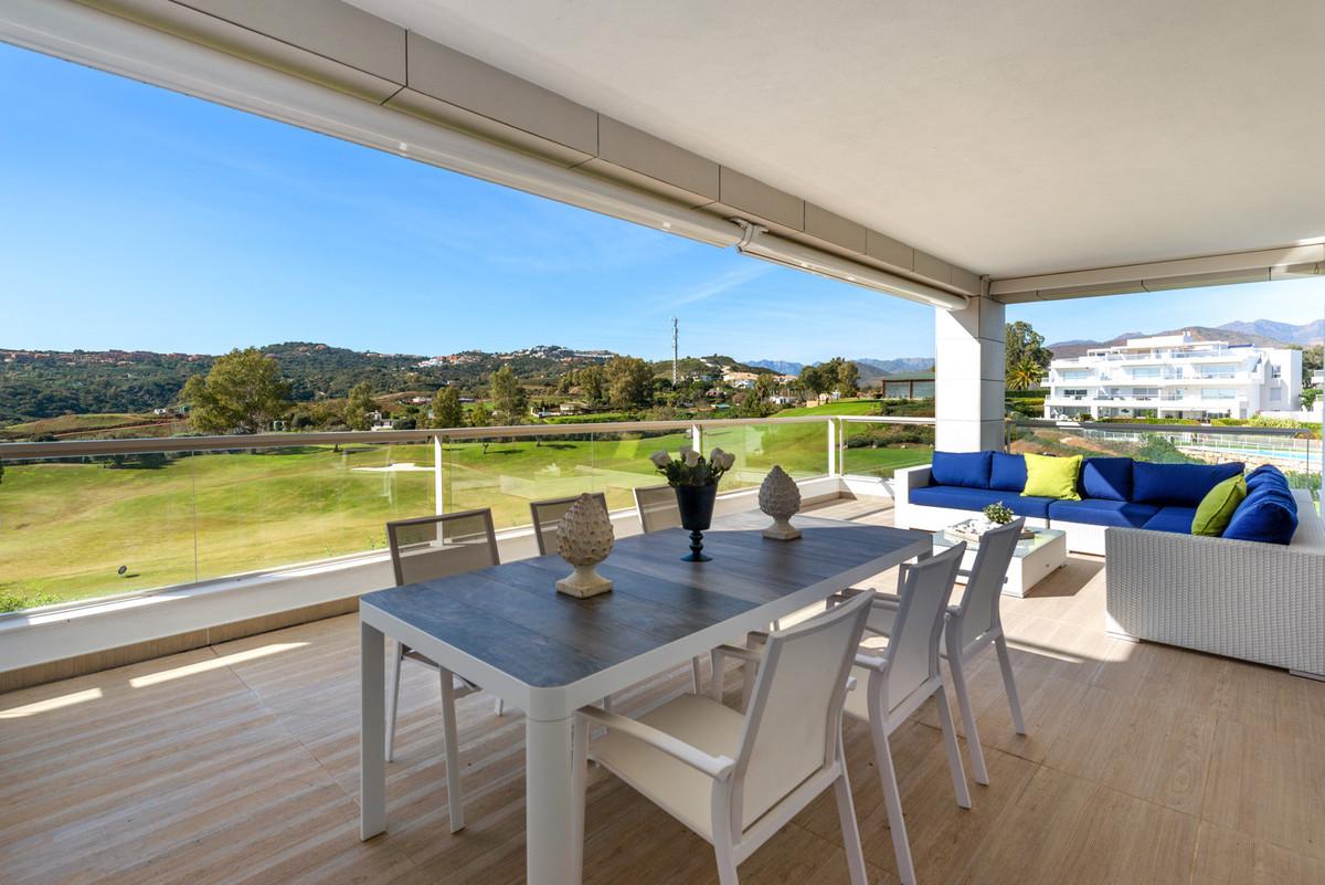 Ground Floor Apartment for sale in La Cala Golf, Mijas Costa with 3 bedrooms, 2 bathrooms, 1 on suit,Spain
