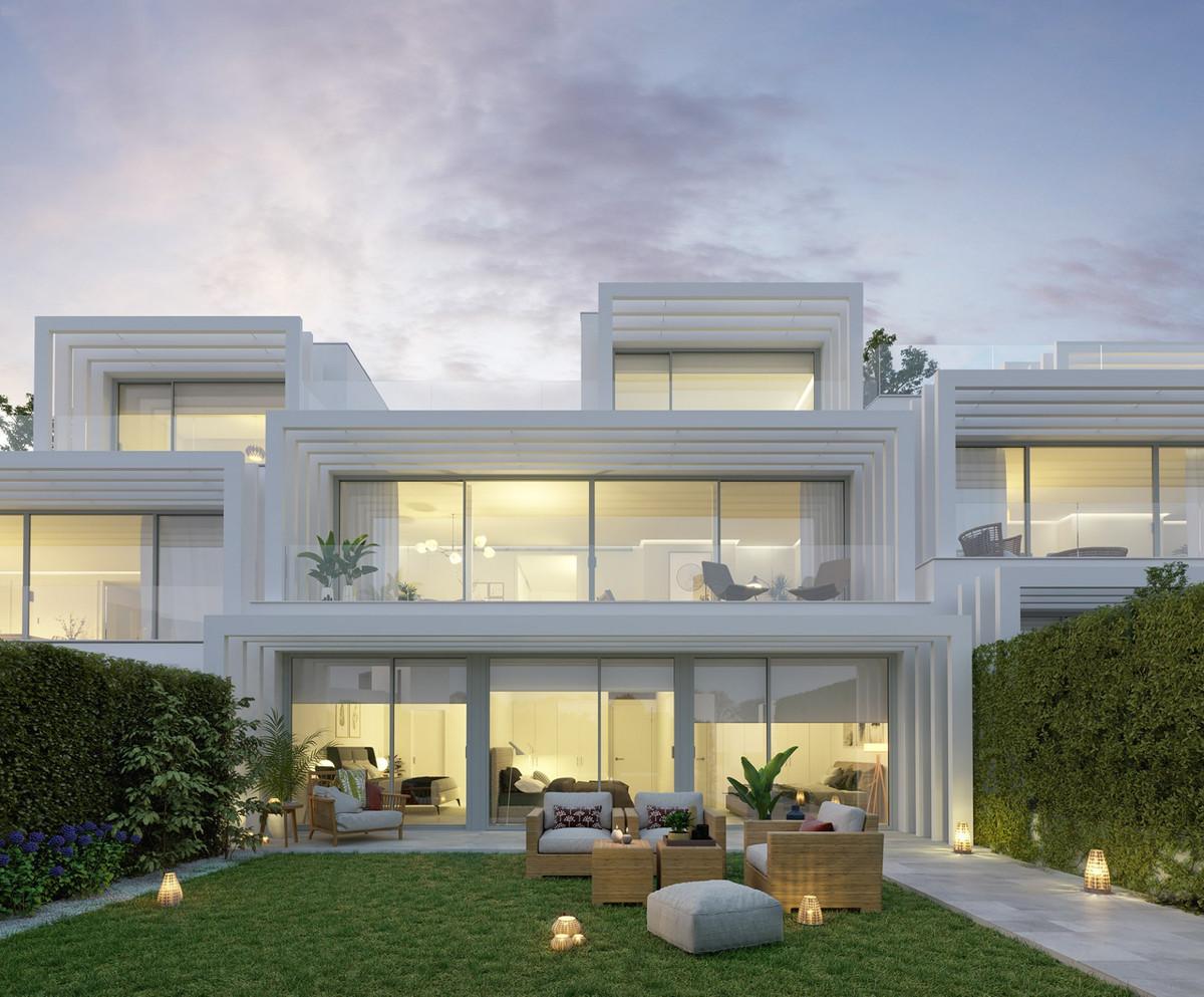 Semi Detached Villa for sale in Sotogrande Golf, Sotogrande, with 4 bedrooms, 3 bathrooms, 1 toilets,Spain