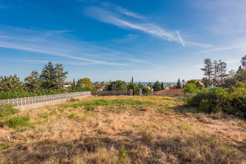 Plot for sale in El Faro, Mijas Costa. Regarding property dimensions, it has 960 m² plot.   This pro,Spain