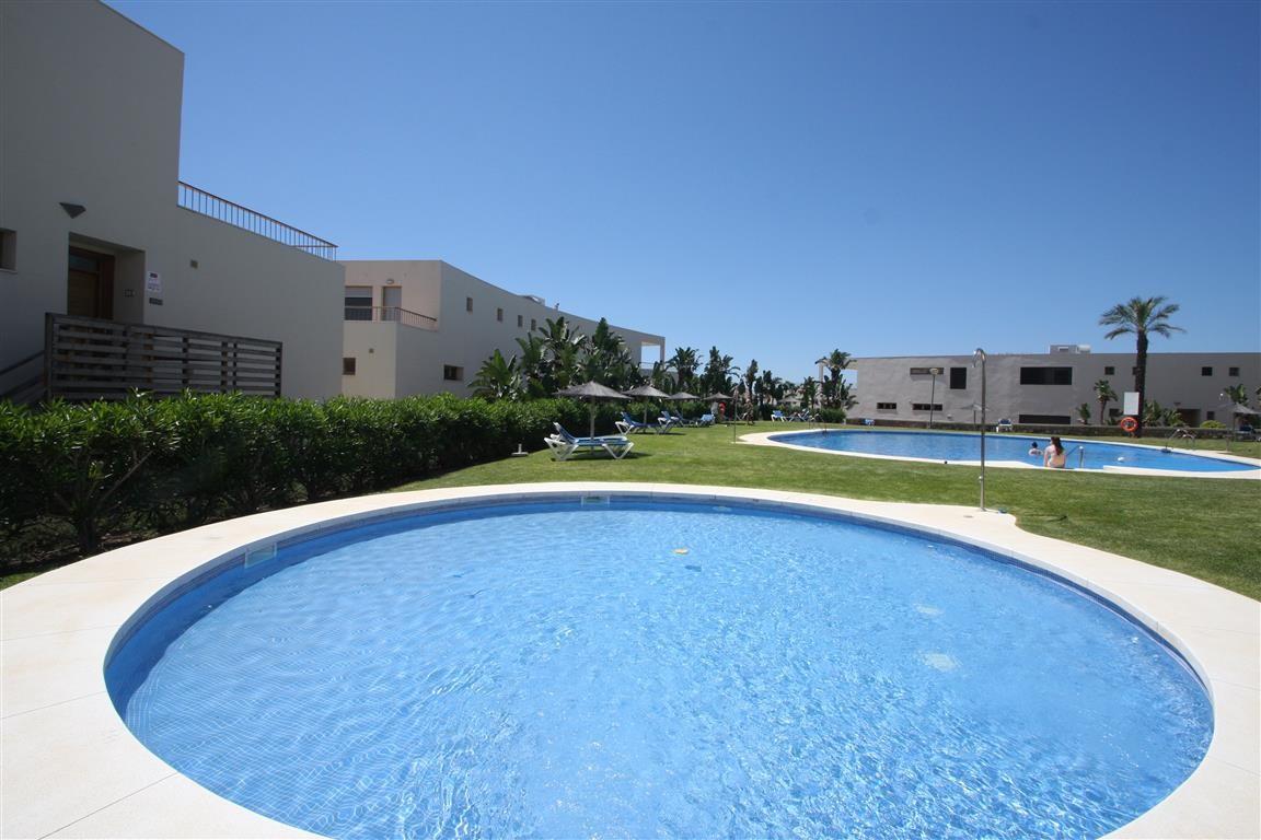 2-bed-Middle Floor Apartment for Sale in Altos de los Monteros
