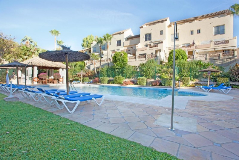 Apartment for sale in Los Pinos de Aloha, Nueva Andalucia, with 2 bedrooms, 1 bathrooms, the propert,Spain