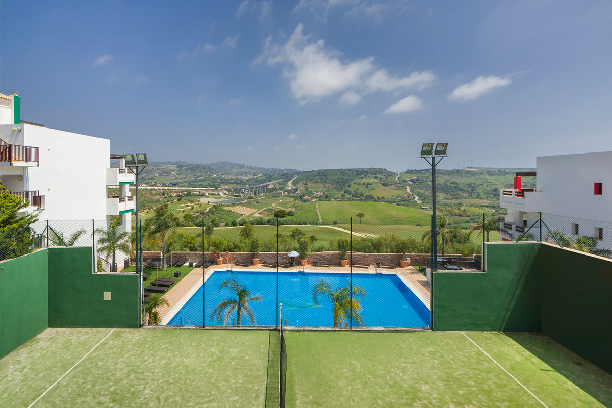 2 bedroom Apartment in Estepona, Costa del Sol image 1