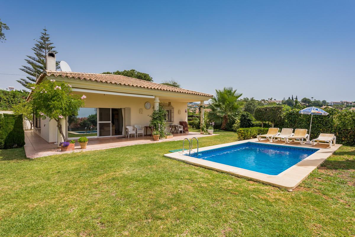 Detached Villa for sale in El Rosario R3513787