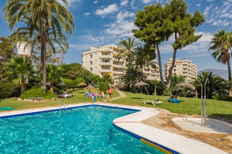 2 bed Villa for sale in Estepona