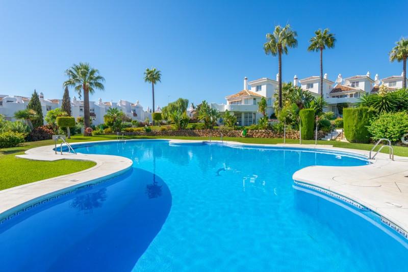Ground Floor Apartment for sale in Calahonda, Mijas Costa, with 2 bedrooms, 2 bathrooms, 2 en suite ,Spain