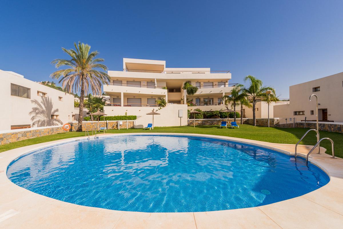 Apartament na środkowym piętrze na sprzedaż w Los Monteros R3270304