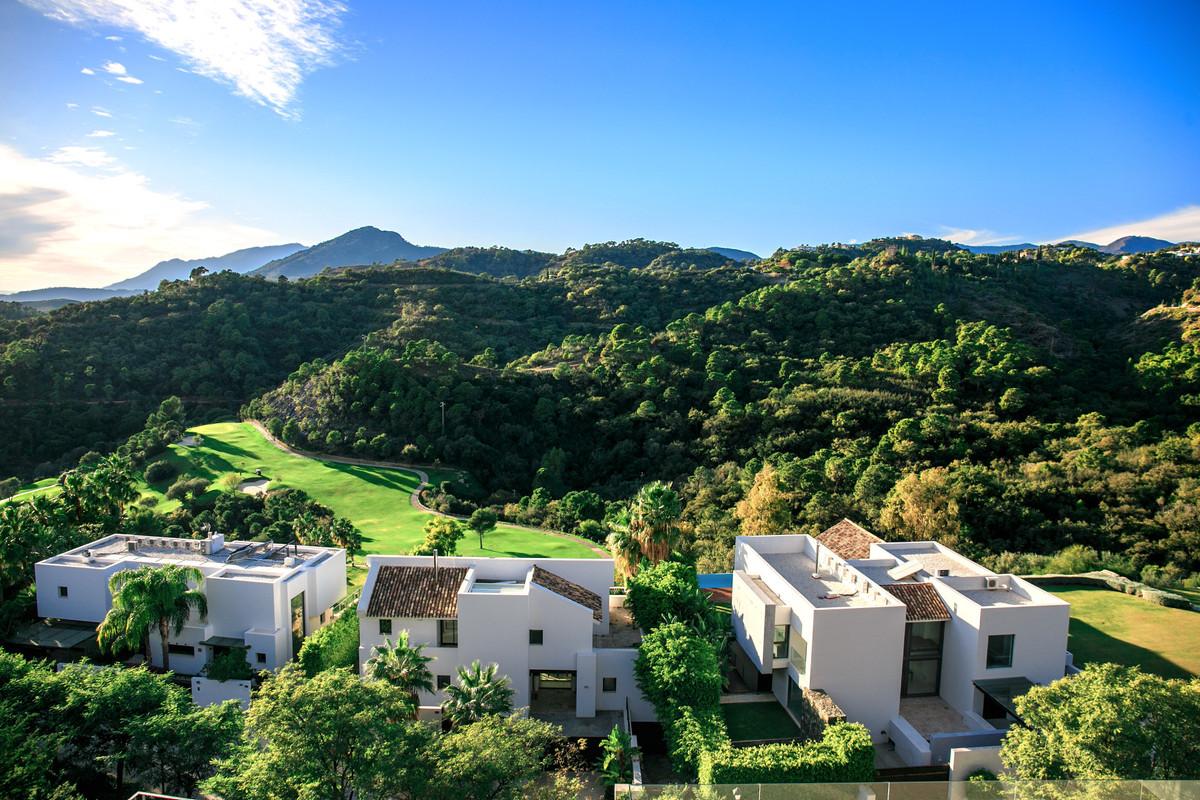 Villa for sale in Los Arqueros, Benahavis, with 5 bedrooms, 5 bathrooms, the property was built in 2,Spain