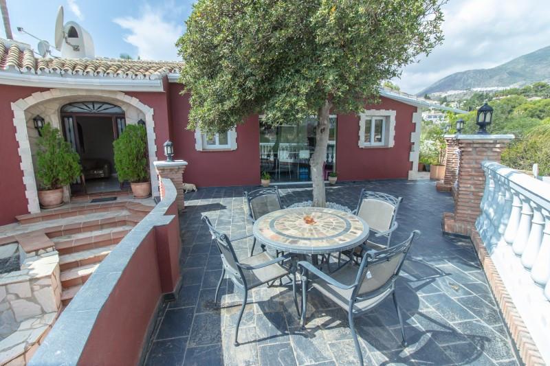 Villa for sale in Torremuelle, Benalmadena, with 4 bedrooms, 3 bathrooms, 2 en suite bathrooms, the ,Spain