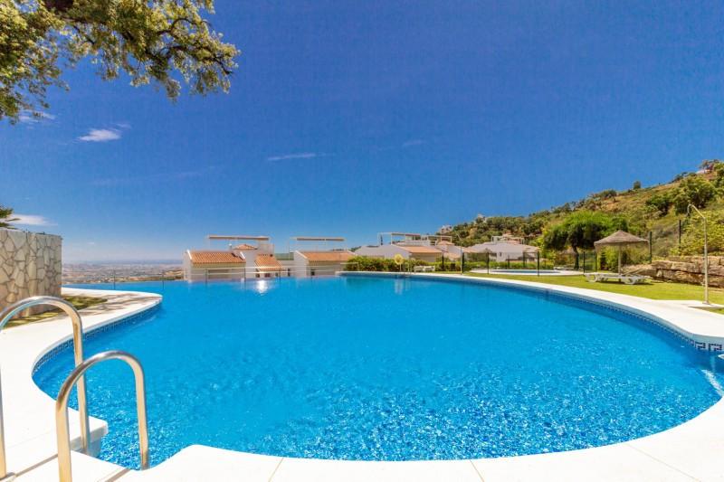 Apartment for sale in La Mairena, Marbella East, with 2 bedrooms, 2 bathrooms, 1 en suite bathrooms ,Spain