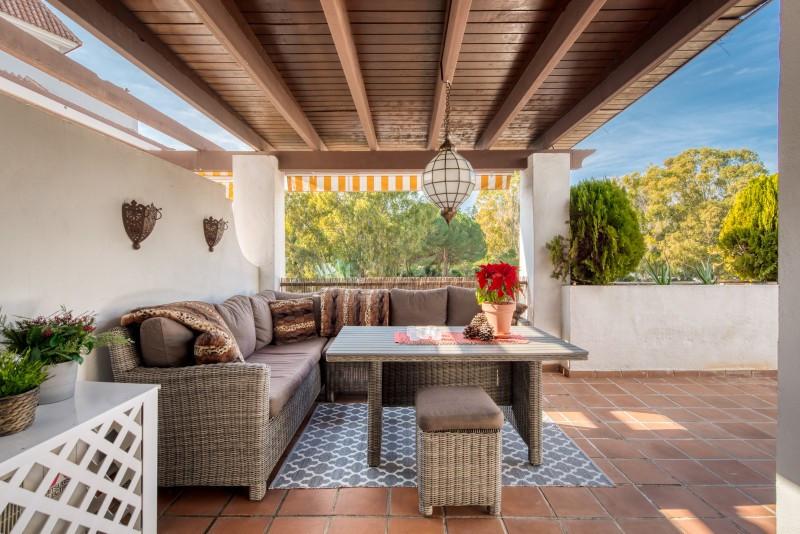 Apartment for sale in Marbella Golden Mile, with 2 bedrooms, 2 bathrooms, 1 en suite bathrooms, the ,Spain