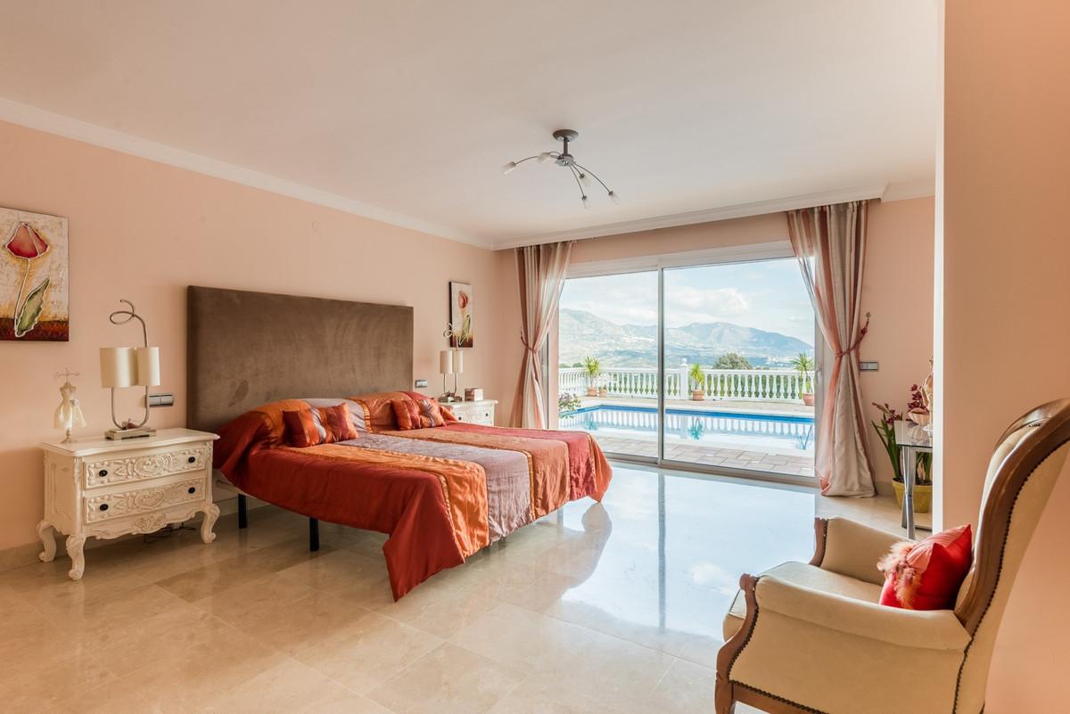 Villa Detached La Cala Golf Málaga Costa del Sol R3413905 7